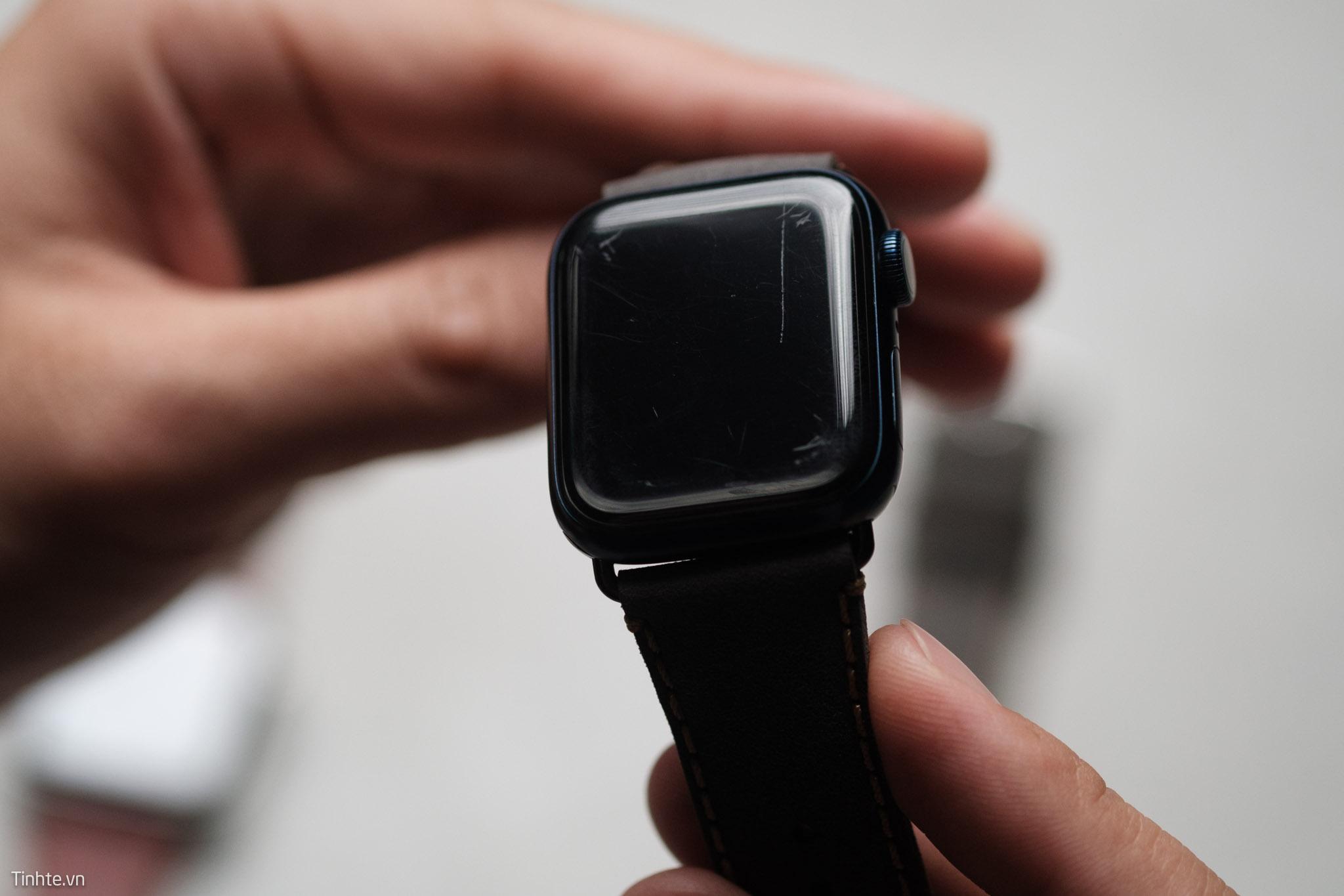 Trên tay Apple Watch tất cả các chất liệu qua thời gian: Gốm bền nhất, Thép xấu nhất