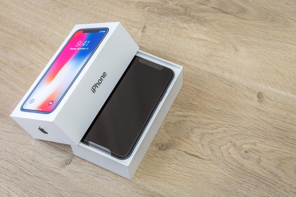 Có nên mua iPhone X thời điểm hiện tại?