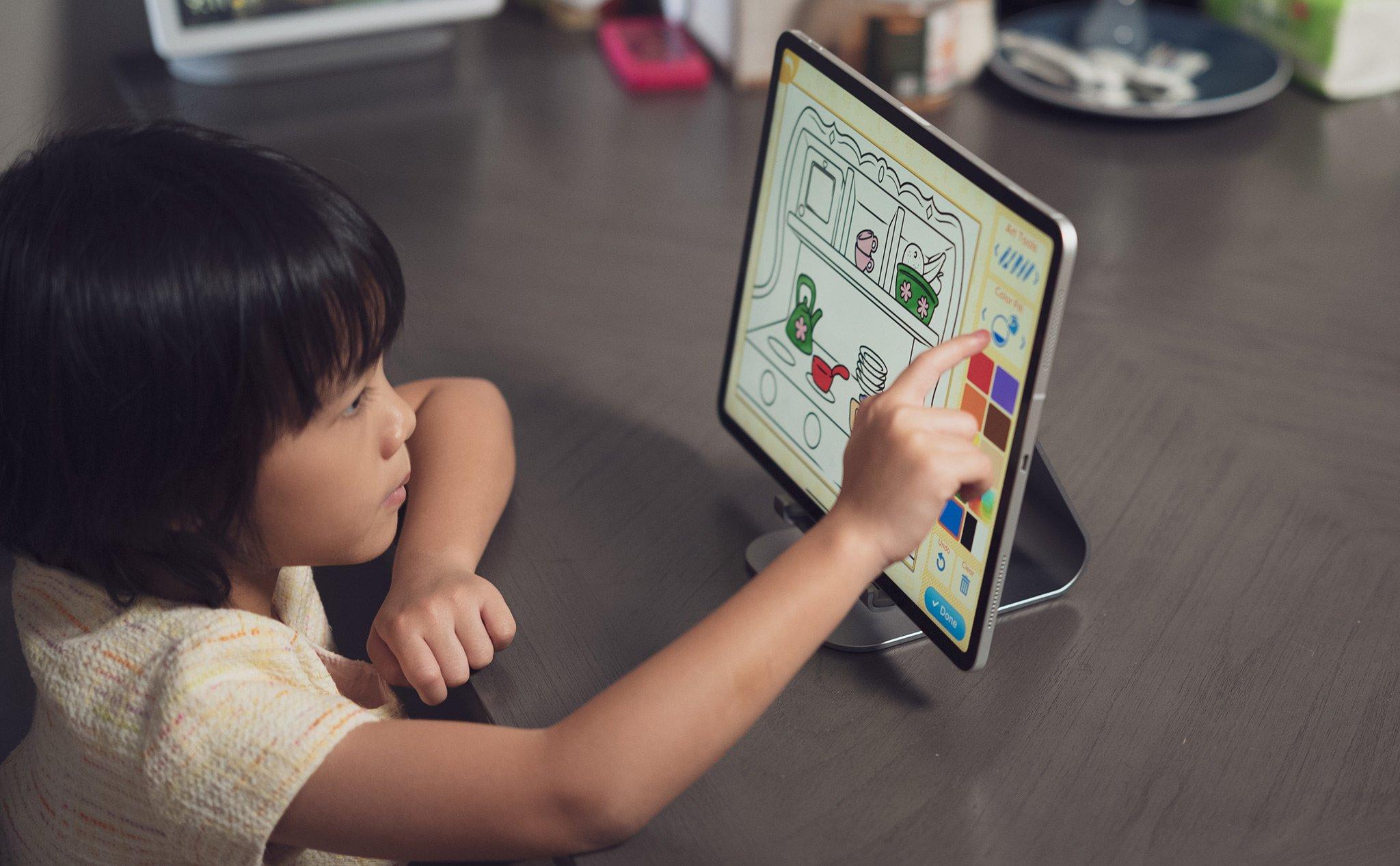 Cách dùng iPhone để quản lý việc chơi iPad của con