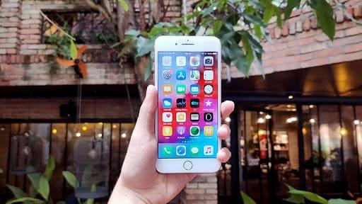 đánh giá iphone 8 plus về màn hình