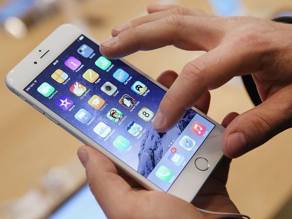Tìm hiểu nguyên nhân và địa điểm thay màn hình iPhone uy tín, giá hợp lý