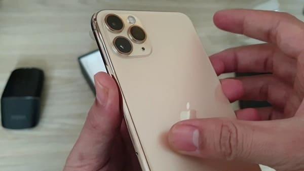 iPhone 11 Pro khui hộp