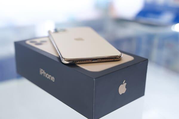 iPhone 11 Pro unboxing