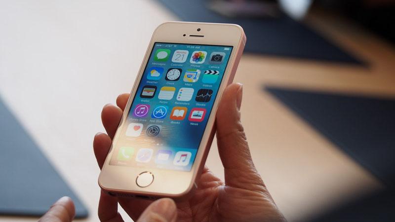 đánh giá iphone se tinhte