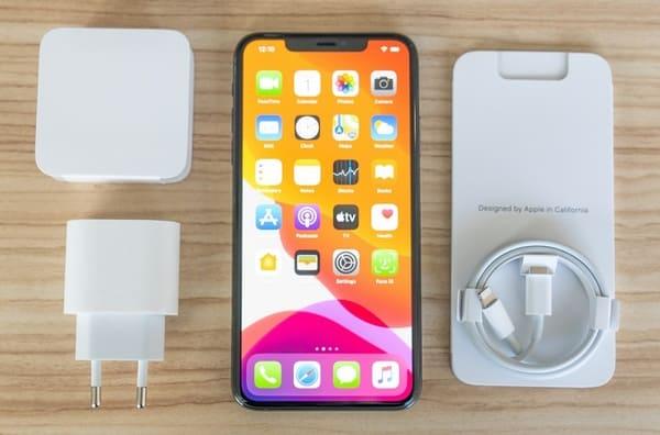 Đập hộp iPhone 11 Pro: Phiên bản mạnh mẽ đáng giá