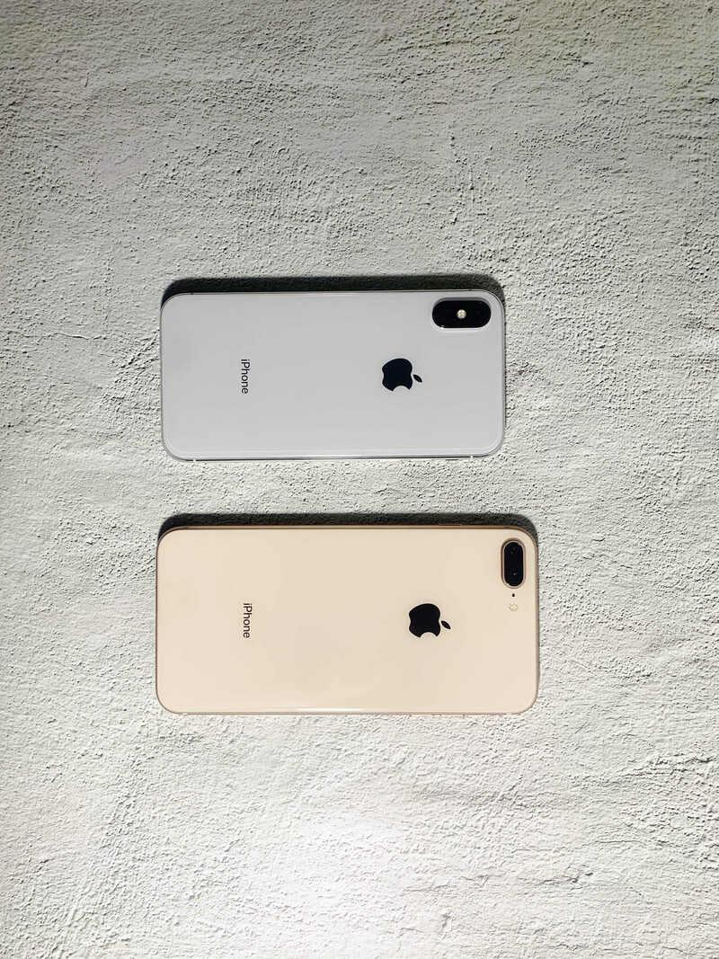 so sánh mặt sau iphone 8plus và x