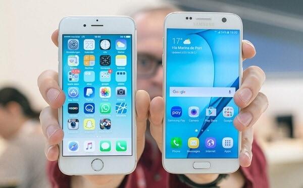 so sánh giữa iphone và samsung