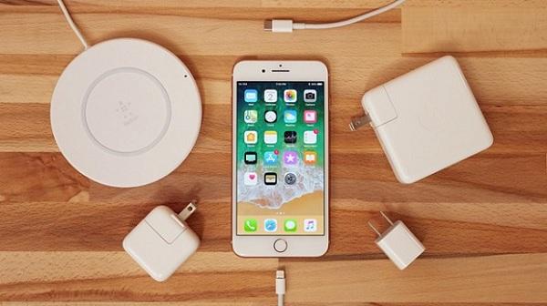sạc pin iphone đúng cách để không bị chai bạn cần biết