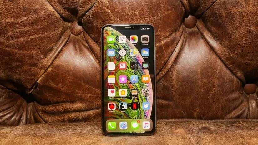 so sánh kích thước iPhone Xs Max